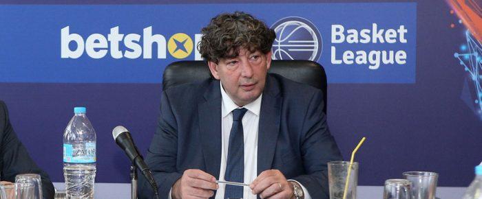Γαλατσόπουλος: Ο πρόεδρος με το… περουκίνι